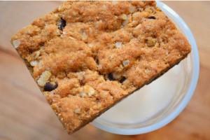 fruit-and-nut-power-bar recipe