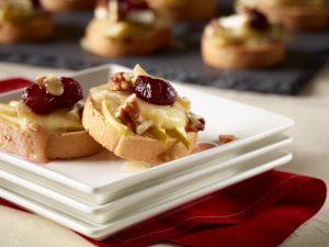 Udi_s_Gluten-Free_Apple__Cranberry_and_Bri_Crostini_201309231635292