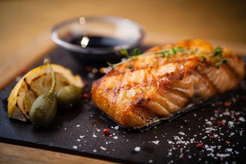 Healthy recipe for honey garlic salmon