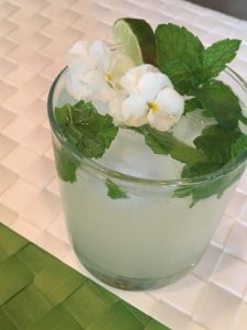 glass of soda with mint and lime