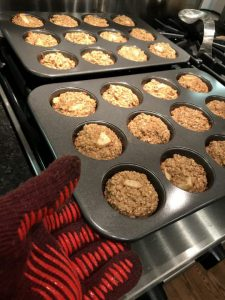 baked apple oatmeal cups
