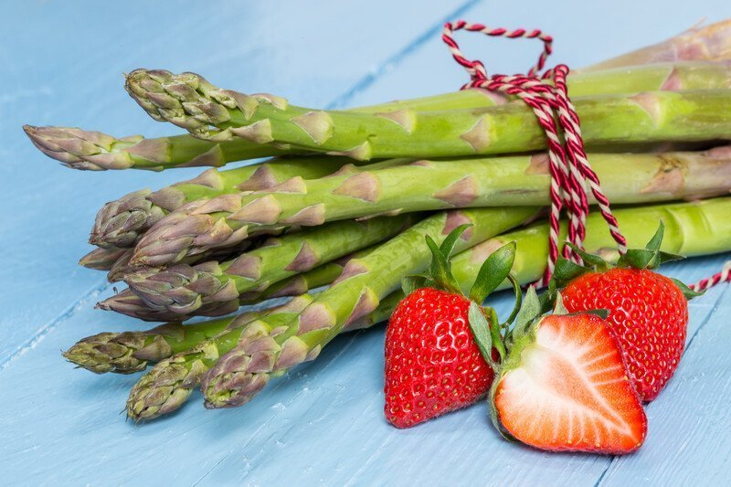 Strawberry Asparagus Salad Recipe