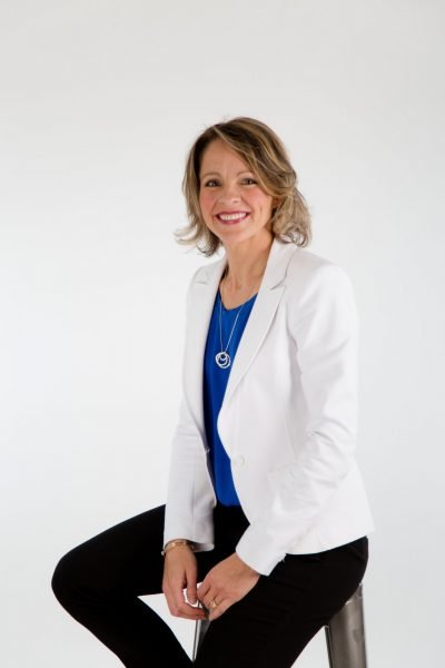 Andrea Holwegner, RD Top Calgary Nutritionist, Canada Nutrition Expert