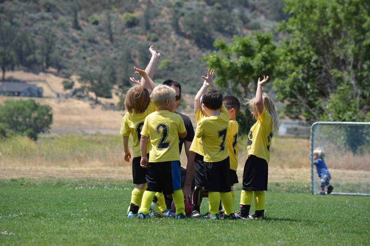 Soccer snacks for kids - healthy options for a pediatric dietitian