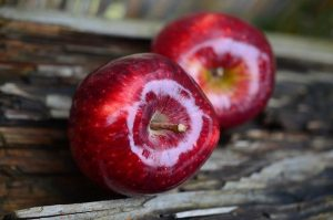 Monosaccharides such as fructose in apples - IBS Dietitian low fodmap diet -
