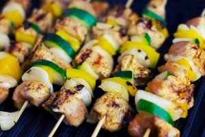 chicken zuchiini and pepper kebabs